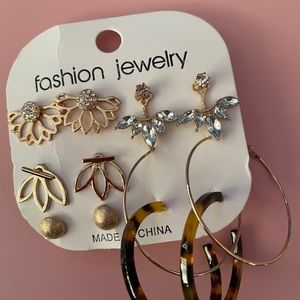Costume jewelry new earrings